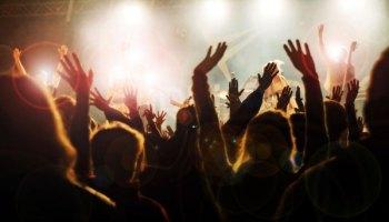Video: Het nieuwe business-model voor artiesten en DJ's | /column-start-from-scratch-dj-denk-digital-firstvideo