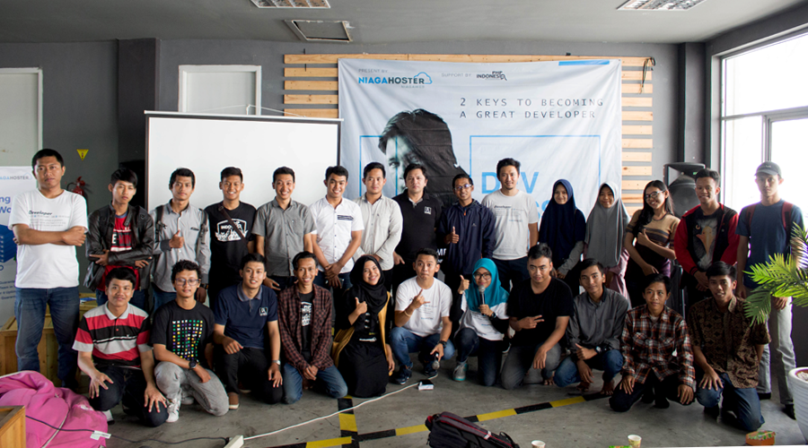 devcussion 1.0 group photo